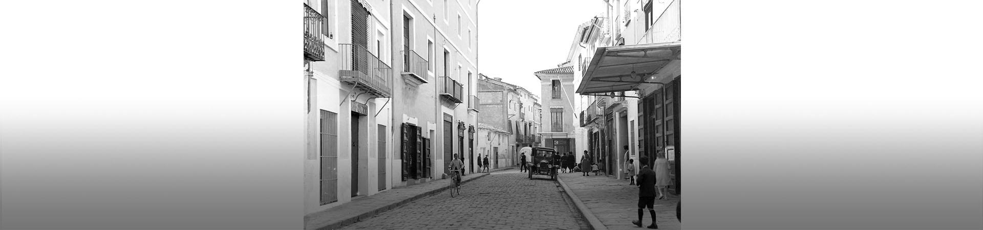 Una calle de Cullera (Valencia) 1905-1929. Fondo Thomas / Agfitel