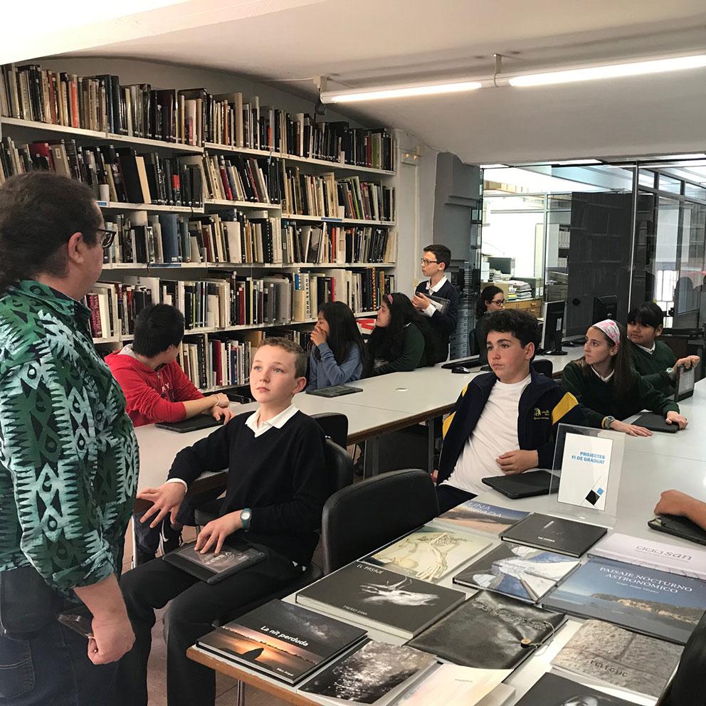 Visita guiada al IEFC de los alumnos de la Escola Sagrada Família